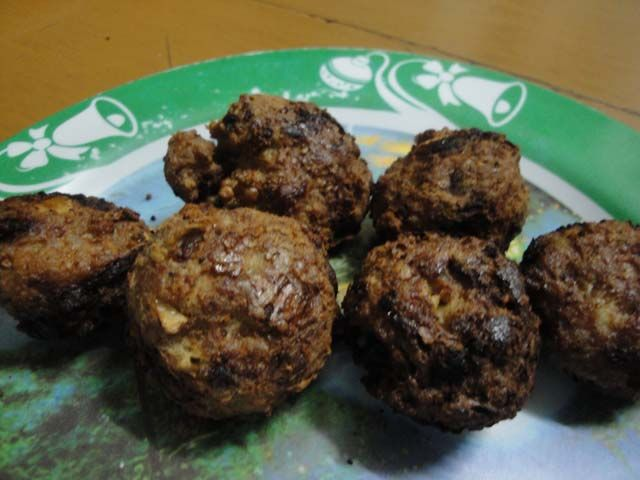 How to Make Meatballs (Bola-Bola)